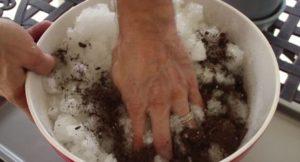 смес за цветя с почва и гел